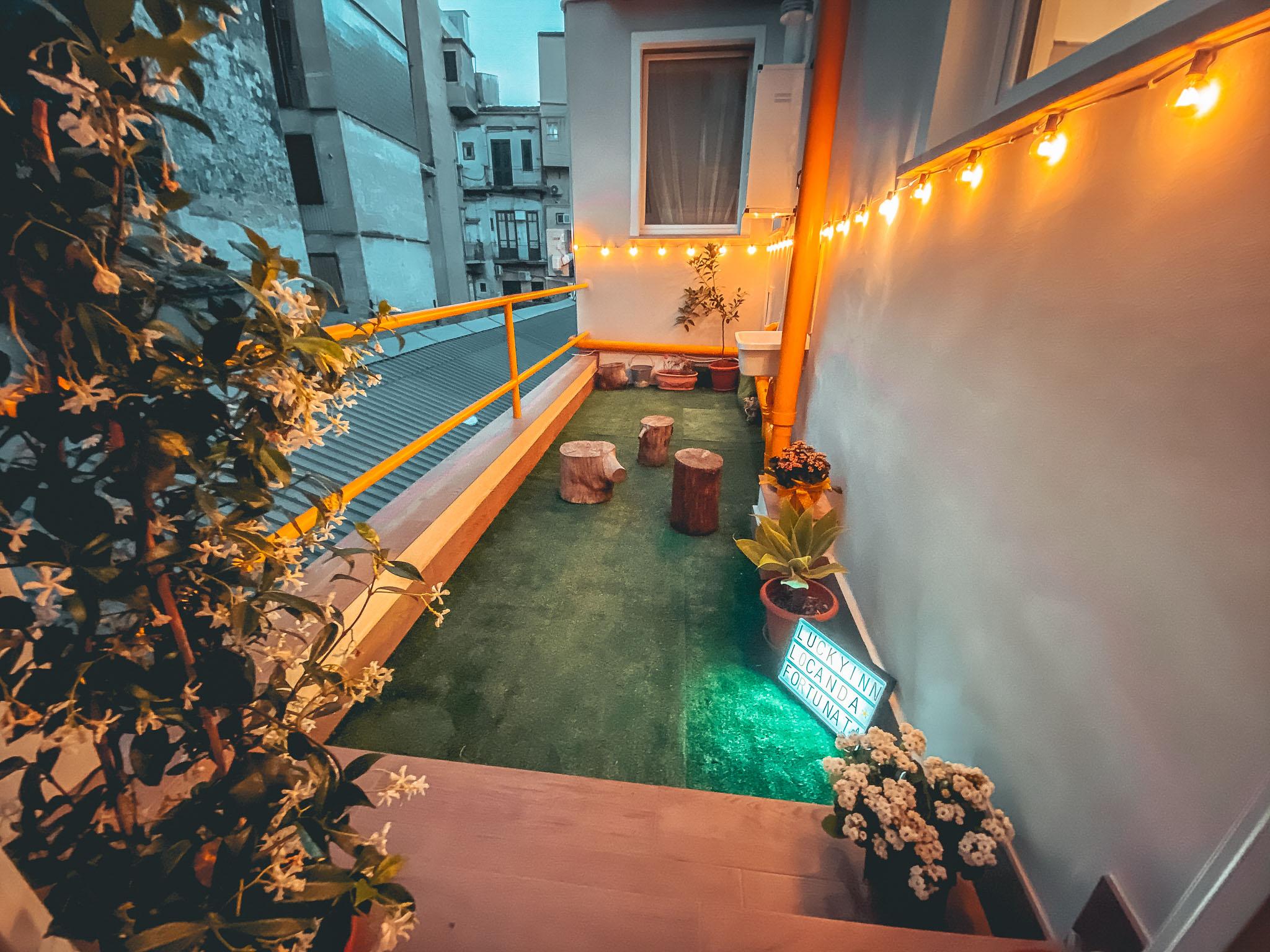 Rooftop Lucky Inn
